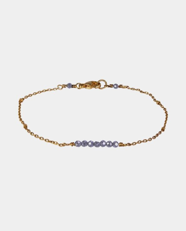 Handmade bracelet with grey-blue iolites and sterling silver gilt with 18 carat gold without nickel