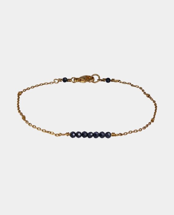 Handmade bracelet with black spinel and sterling silver plated with 18 carat gold without nickel