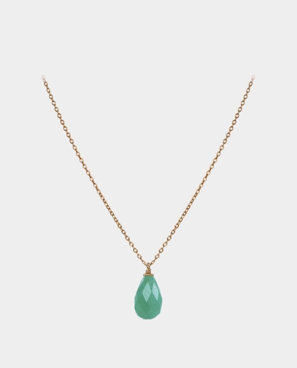 Necklace with sterling silver chain plated with 18 carat gold and droplet-shaped aventurine with colour spectrum in several shades of green in fantastically vivid prism