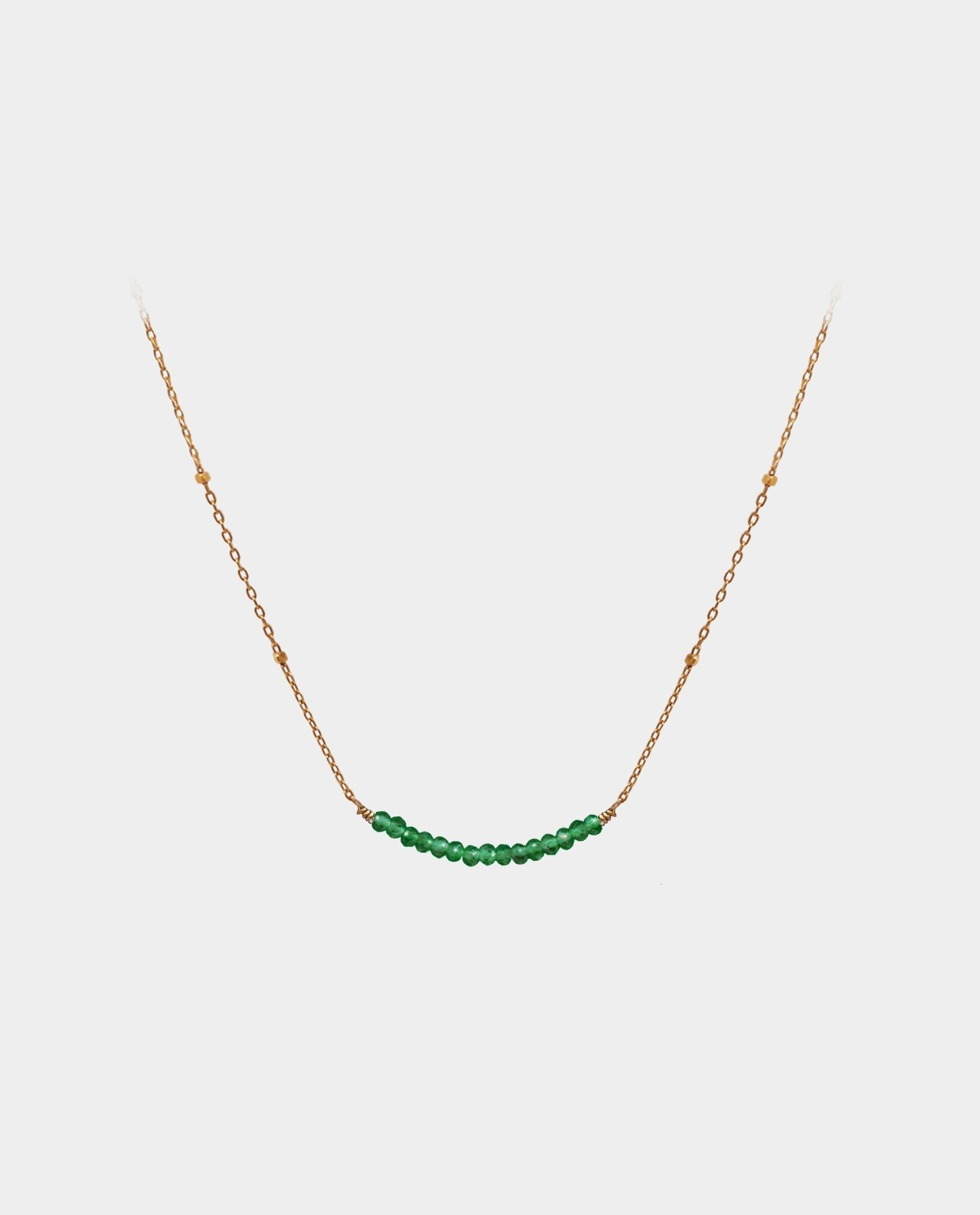 Handmade necklace with green onyx that elegantly follows your neckline and accentuates your personality