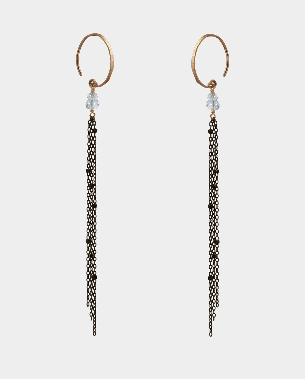 Earrings with circular earhook plated in 14 carat gold and apatite gemstones with long oxidized sterling silver chains