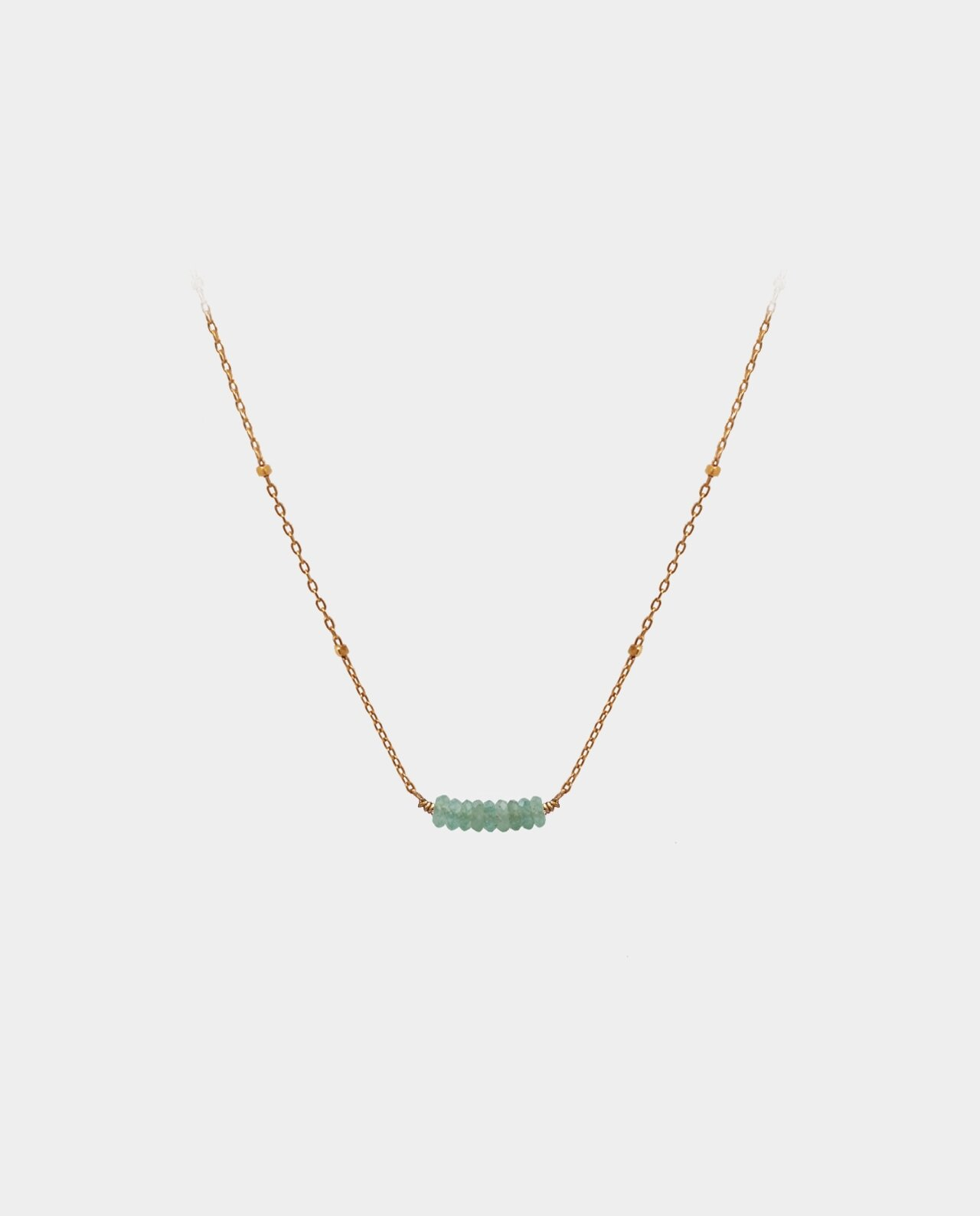 Necklace with bright aventurines in a simple design that gives the popular piece jewelry a beautiful radiance that sparkles