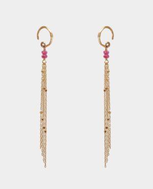 Ørehængere med smykkekæder i sterlingsølv forgyldt med 14 karat guld besat med glimtende kvadrater og pink safir
