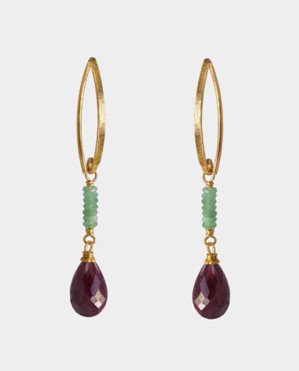 Retro earring with light green onyx and dark red rubies in traditional Danish design from Copenhagen