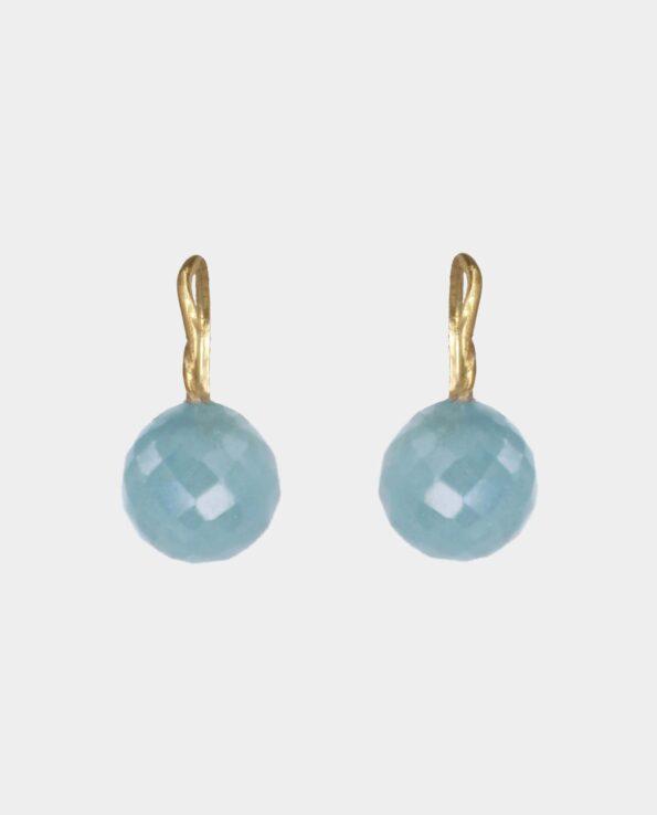 Guldøreringe med snorede ørekroge og runde akvamariner - gaven til din veninde eller til festen - smykker fra indre by