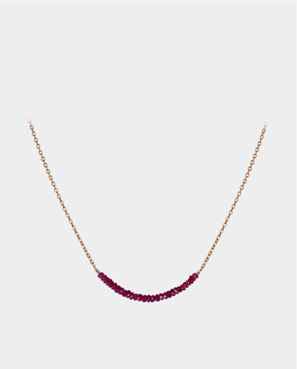 Exquisite necklace with lots of small rubies from the jewelry store in Copenhagen - a chic and unadulterated piece of jewelry